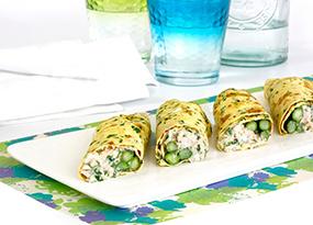 Rollitos de tortilla con espárragos y atún