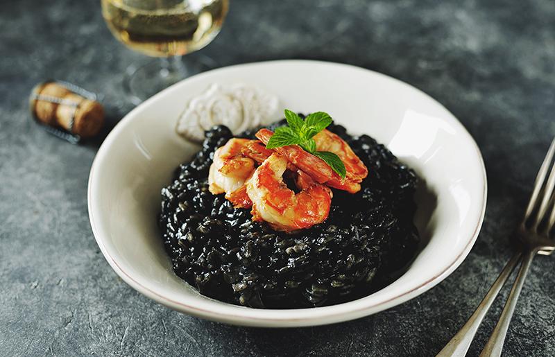 Arroz negro con marisco